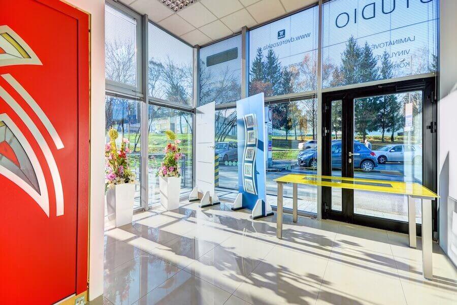 Interiérové štúdio Benedoor - Interiérové dvere, vchodové dvere, podlahy a zásteny zo skla